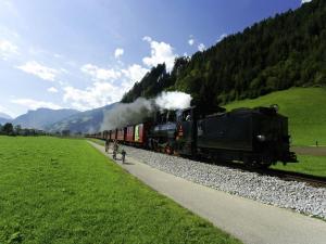 Wasserfall, Ferienhäuser  Hart im Zillertal - big - 11