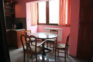 Apartment Ljuben Karavelov, Apartmanok  Szófia - big - 5