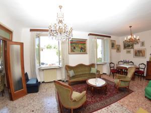 La Regina Di Lucca - Casa Artisti 1, Апартаменты  Лукка - big - 4