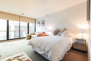 Celeste - Beyond a Room Private Apartments - Melbourne CBD, Victoria, Australia