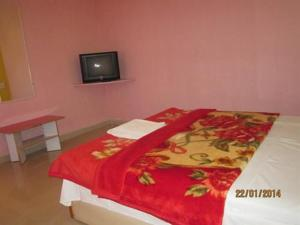 Suite Room stay in a bungalow at Mahabaleshwar, Vily  Mahabaleshwar - big - 5