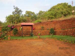 Suite Room stay in a bungalow at Mahabaleshwar, Vily  Mahabaleshwar - big - 3