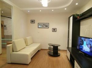Apartment on Zhukova 30