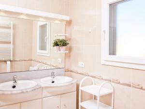 Amfora Air, Holiday homes  Sant Pere Pescador - big - 17