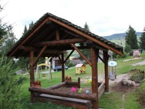 Chalet Les Chalets Des Ayes 6, Alpesi faházak  Le Ménil - big - 13