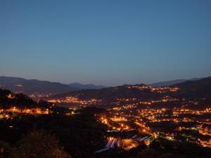 Lindo, Дома для отпуска  Ponte da Barca - big - 25
