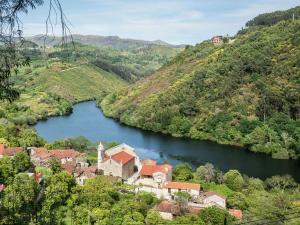 Lindo, Дома для отпуска  Ponte da Barca - big - 22