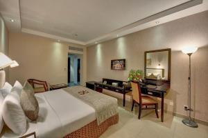 Palm Beach Hotel, Отели  Дубай - big - 6