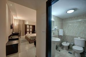 Palm Beach Hotel, Отели  Дубай - big - 5