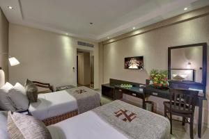 Palm Beach Hotel, Отели  Дубай - big - 3