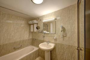Palm Beach Hotel, Отели  Дубай - big - 2