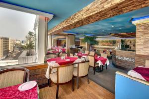 Palm Beach Hotel, Отели  Дубай - big - 32