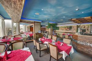 Palm Beach Hotel, Отели  Дубай - big - 34