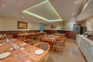 Palm Beach Hotel, Отели  Дубай - big - 19