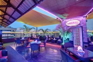 Palm Beach Hotel, Отели  Дубай - big - 25