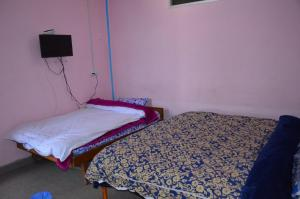 Well Furnished Room Near Shimla