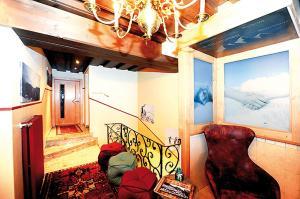 Ski in Ski out Hotel Unterellmau, Отели  Залбах - big - 38