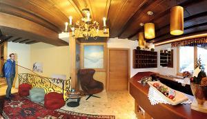 Ski in Ski out Hotel Unterellmau, Отели  Залбах - big - 43