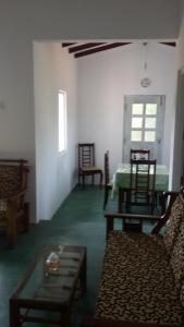 Qaaid Homestay, Privatzimmer  Alutgama West - big - 5