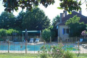 La Clef des Champs, Case vacanze  Cours-de-Pile - big - 28