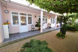 Mini Hotel Kostas