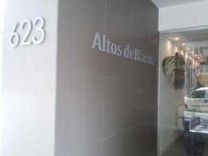 Altos de Biarritz, Apartments  Montevideo - big - 35