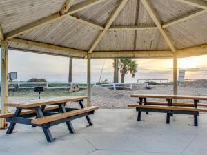 153 By the Sea, Dovolenkové domy  Vilano Beach - big - 71