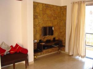 3 Bedroom Bungalow with a Lawn near Mahabaleshwar, Villák  Mahabaleshwar - big - 2