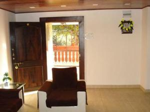 3 Bedroom Bungalow with a Lawn near Mahabaleshwar, Villák  Mahabaleshwar - big - 5