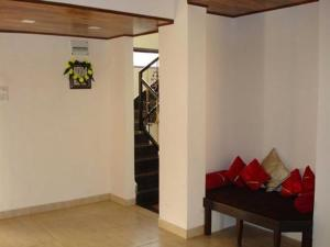 3 Bedroom Bungalow with a Lawn near Mahabaleshwar, Villák  Mahabaleshwar - big - 8