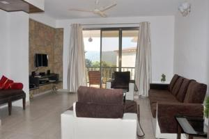 3 Bedroom Bungalow with a Lawn near Mahabaleshwar, Villák  Mahabaleshwar - big - 9