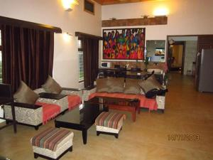 Luxury Bungalow on Mahabaleshwar-Tapola Raod, Villák  Mahabaleshwar - big - 2