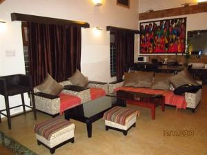 Luxury Bungalow on Mahabaleshwar-Tapola Raod, Villák  Mahabaleshwar - big - 5