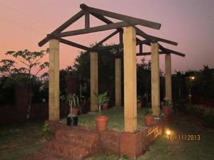 Luxury Bungalow on Mahabaleshwar-Tapola Raod, Villák  Mahabaleshwar - big - 7
