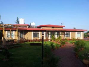Luxury Bungalow on Mahabaleshwar-Tapola Raod, Villák  Mahabaleshwar - big - 16