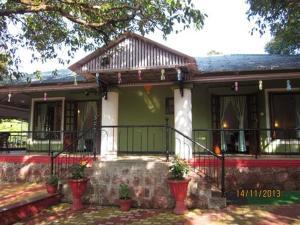 Bungalow near Mahabaleshwar market, Vily  Mahabaleshwar - big - 8