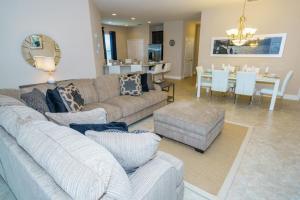 Oaktree Five-Bedroom Villa OTD, Villas  Davenport - big - 22