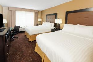 Holiday Inn Express & Suites Sandusky, Hotely  Sandusky - big - 8