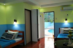 Lagunde Beach Resort, Курортные отели  Ослоб - big - 27