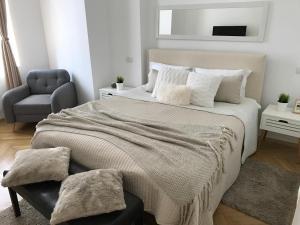 Metropole Apartments - Kogalniceanu, Апартаменты  Бухарест - big - 1
