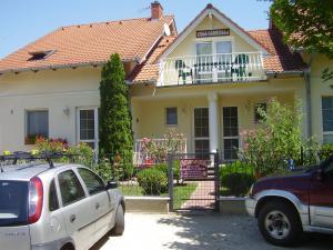 Villa Gabriella, Apartmány  Balatonboglár - big - 2