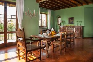Villa La Darsena, Villas  Marone - big - 15