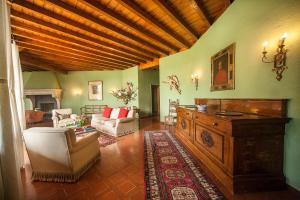 Villa La Darsena, Villas  Marone - big - 20