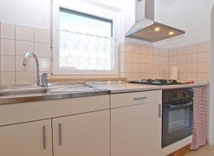 Apartments Svetlana 1307, Ferienwohnungen  Banjole - big - 38