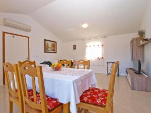 Apartments Svetlana 1307, Ferienwohnungen  Banjole - big - 30