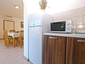 Apartments Svetlana 1307, Ferienwohnungen  Banjole - big - 54
