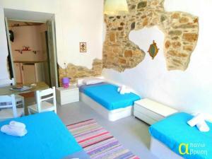Apano Vrysi, Apartments  Tinos Town - big - 6