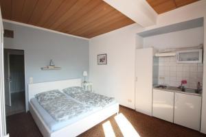 Armarova Ihre Ferienpension, Affittacamere  Cuxhaven - big - 34