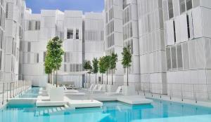 Patio Blanco Luxury Apartments