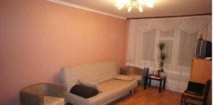 Apartment on Oranzhereinaya 10